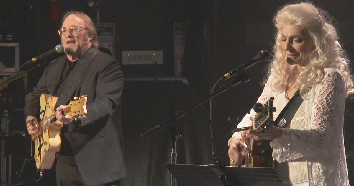 Stephen Stills and Judy Collins, playing beautiful music together