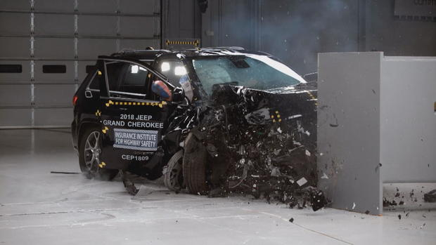 ctm-0612-grand-jeep-cherokee-crash-test.jpg