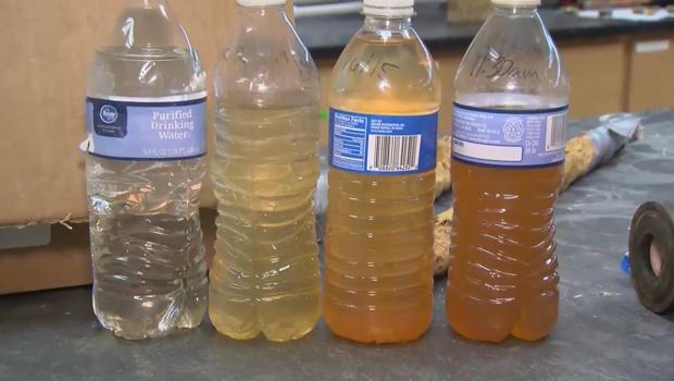 flint-water-crisis-water-samples-620.jpg