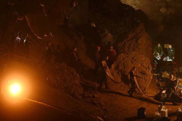 Cave rescue of boys soccer team in Thailand
