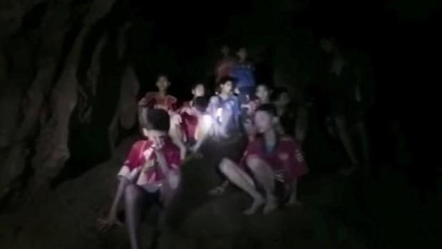 cbsn-fusion-rescue-efforts-underway-for-thai-youth-soccer-team-trapped-in-cave-thumbnail-1604203-640x360.jpg