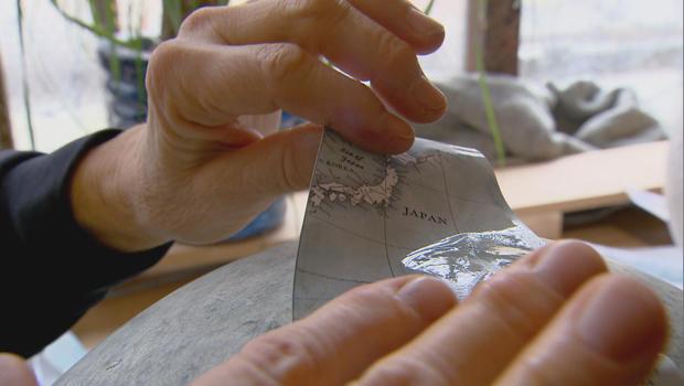 bellerby-globemakers-martha-tries-her-hand-620.jpg