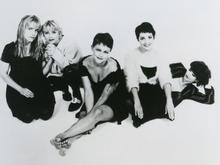 GO-GOS  - Promotional photo of US music group with Belinda Carlisle centre