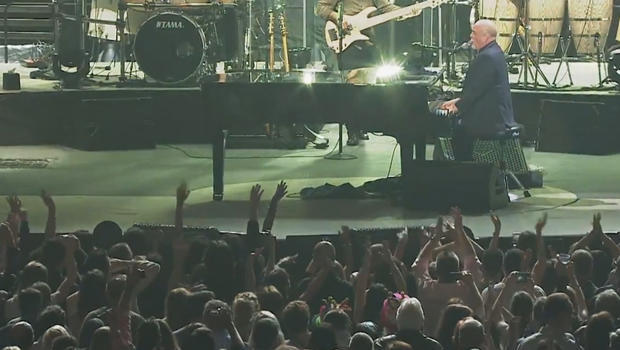 billy-joel-and-audience-620.jpg