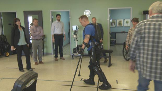 robotic-exoskeleton-derek-demun-walks-620.jpg