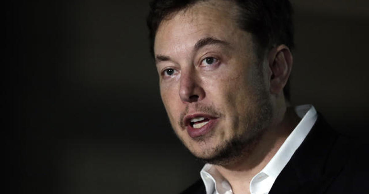 Elon Musk ignores Tesla board and keeps tweeting