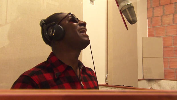 Leon Bridges raises his voice - CBS News