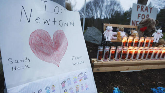 newtown-memorial-sandy-hook-school-shooting-620.jpg