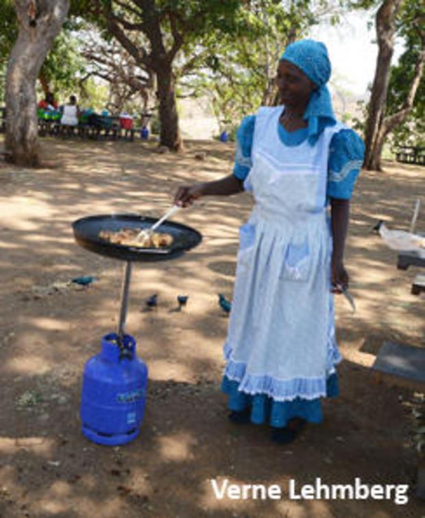 pastor-merium-cooking-244.jpg