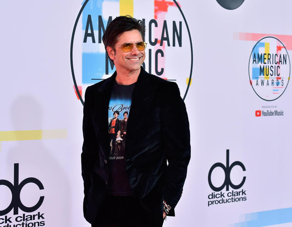 2018 American Music Awards red carpet