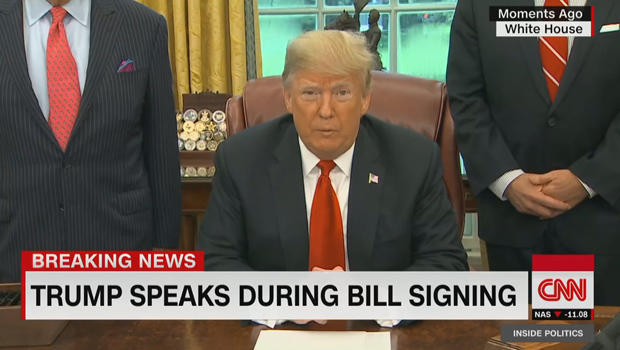 breaking-news-president-trump-uses-a-pen-620.jpg