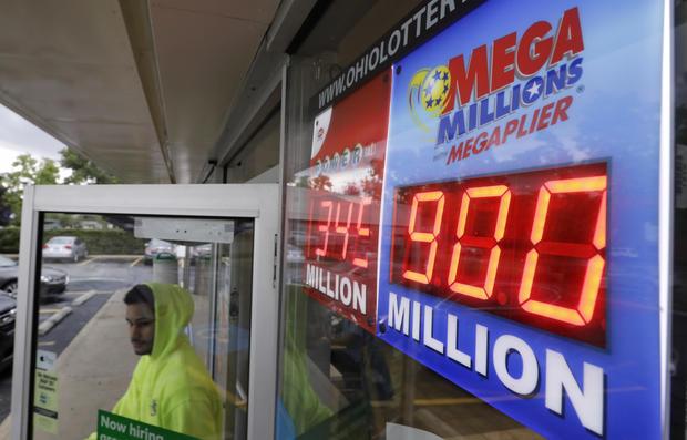 Mega Millions $900 million