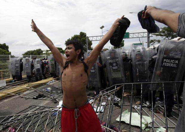 APTOPIX Central America Migrant Caravan