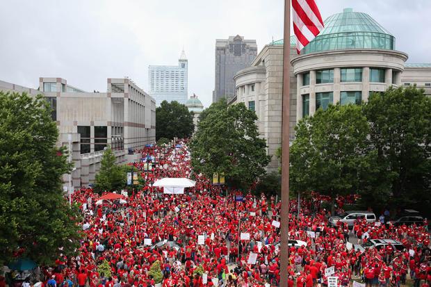 US-EDUCATION-TEACHERS-WALK OUT-NORTH CAROLINA