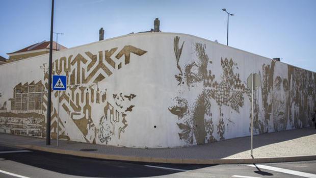 Lisbon - The chiseled portraits of street artist Alexandre