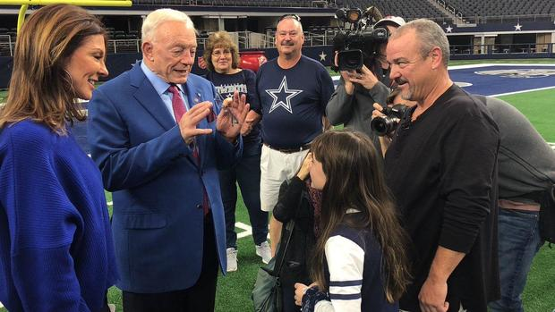 181122-cbsdfw-dallas-cowboys-fan-california-wildfire-victims.jpg