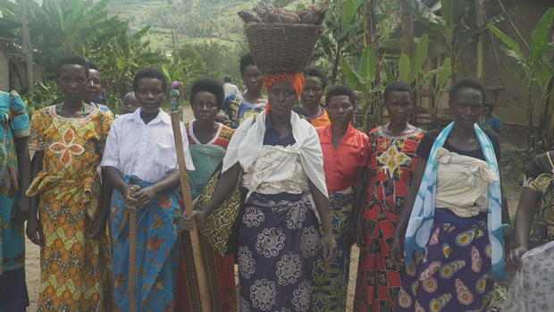 uwubumwe-jean-with-female-farmers-in-musanze-district.jpg