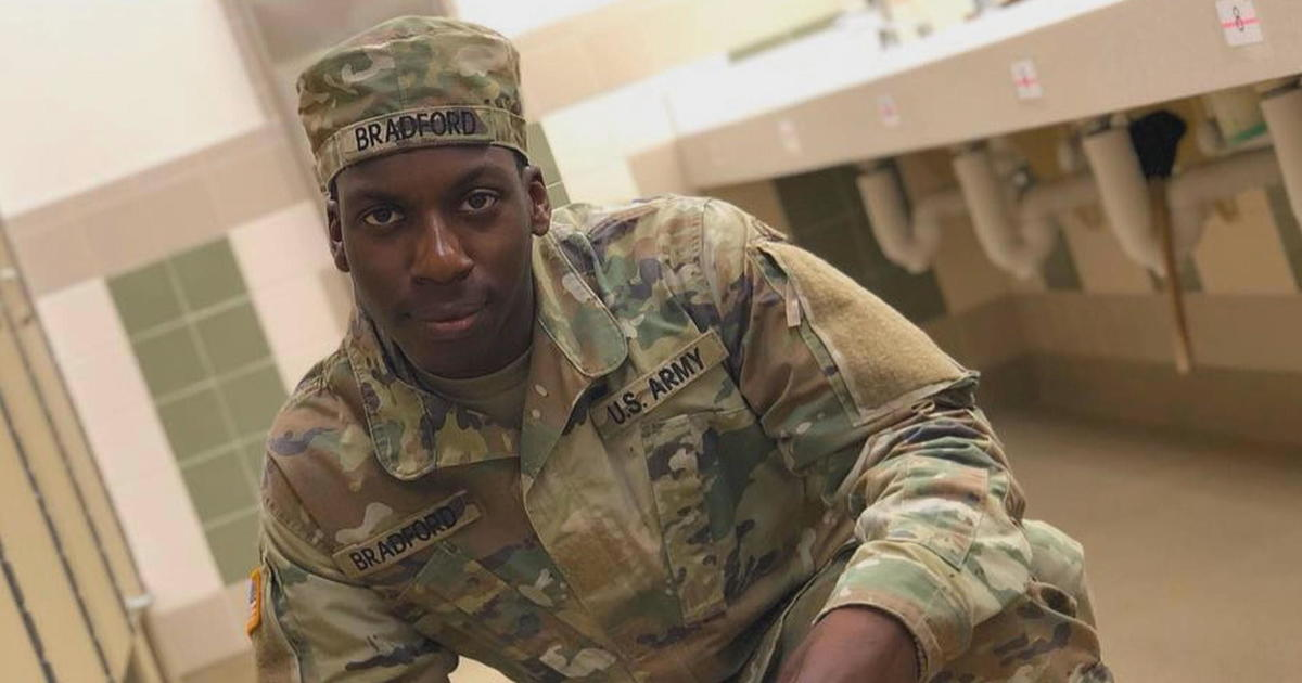shooting in alabama mall  emantic fitzgerald bradford jr  u0026 39 s mother says her son was wrongfully
