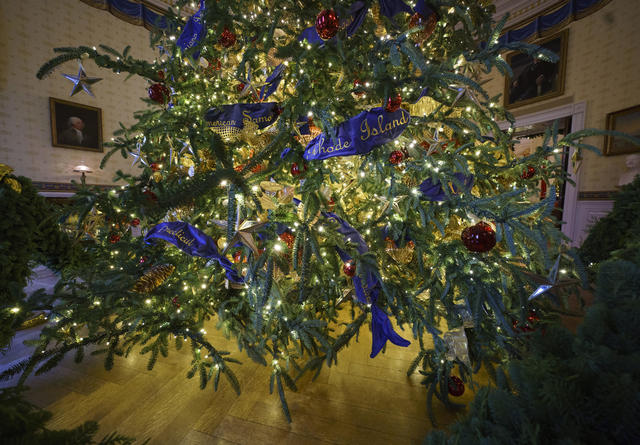 White House Christmas Decorations 2018 Pictures Cbs News
