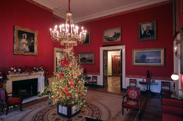 Red Room Tree White House Christmas Decorations 2018 Pictures