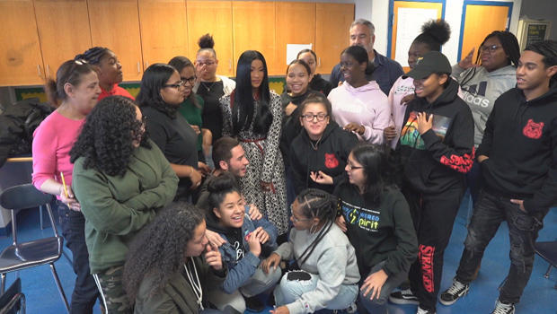 cardi-b-visits-renaissance-high-school-for-musical-theater-and-the-arts-in-bronx-ny-620.jpg