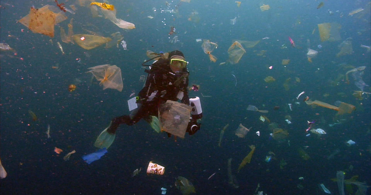 The Great Pacific Garbage Patch: Cleaning up the plastic in the ocean - 60 Minutes