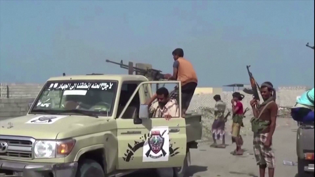 yemeni-pro-government-forces-vehicles-fighters-hodeida.png