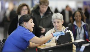 TSA workers protest shutdown, turn to food banks amid uncertainty