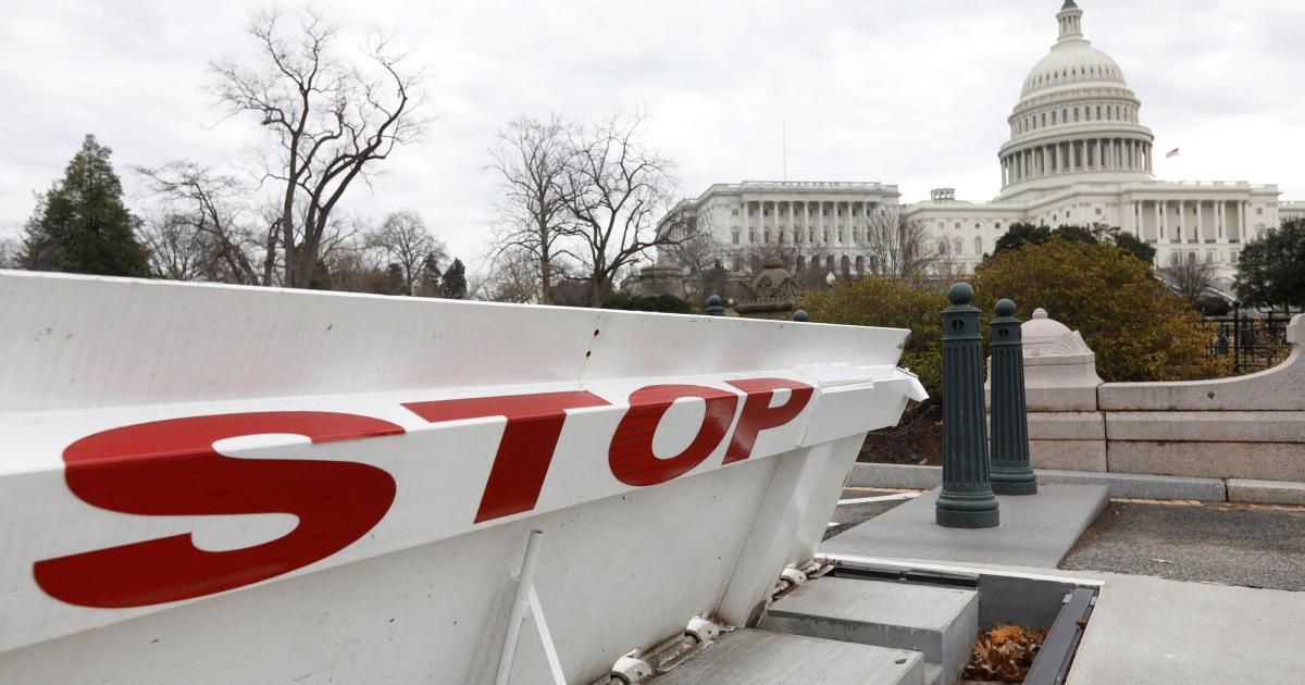 fb786564a64b4e Congress prepares to skip planned recess if shutdown goes on - CBS News