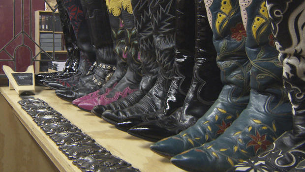 country-music-boots-on-display-620.jpg
