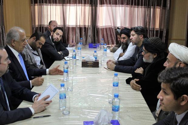 Twitter/Hekmat Khalil Karzai