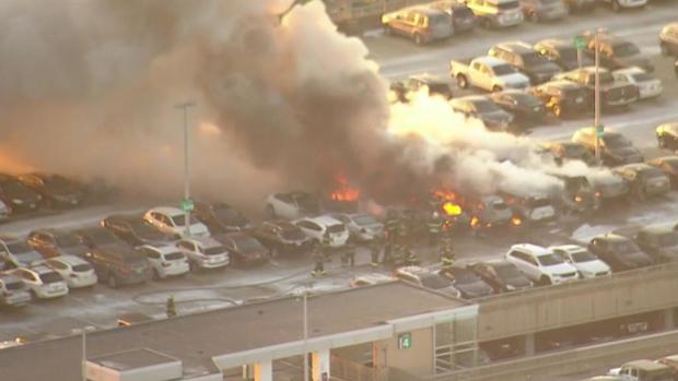newark-airport-parking-garage-fire.jpg