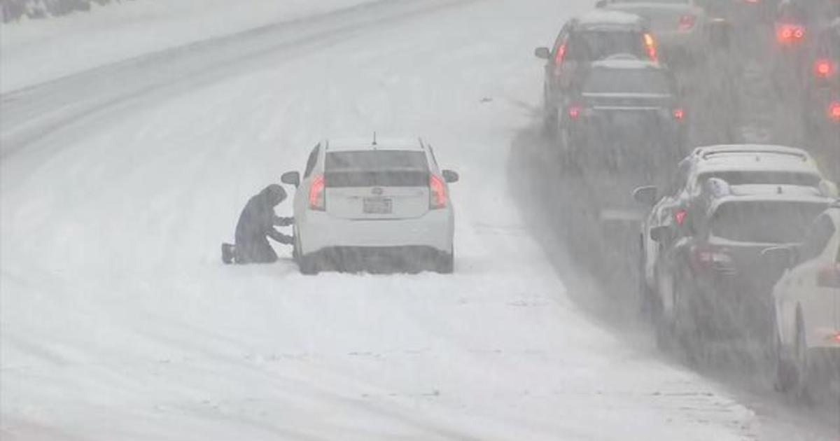 Rare snow blankets Seattle, canceling flights and wreaking havoc