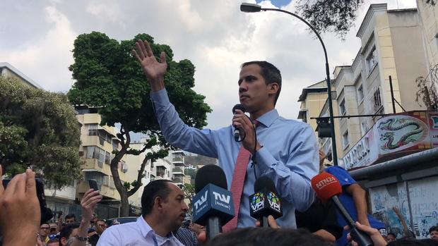 Guaido Calls Massive Demonstrations to Protest Blackout