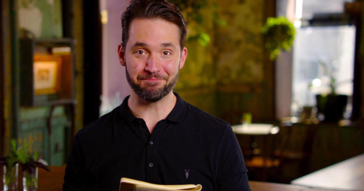 Alexis Ohanian, Reddit co-founder, writes a note to his
