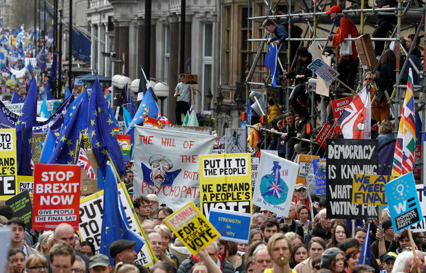 Anti-Brexit march: Hundreds of thousands in London demand new vote