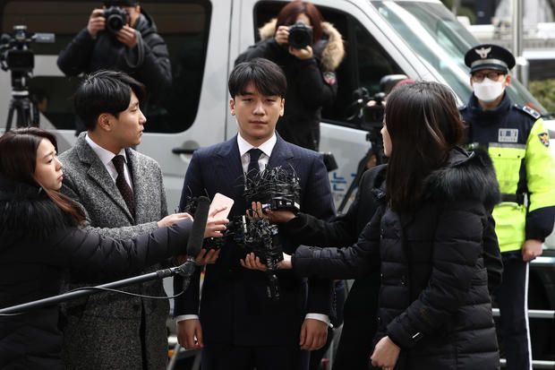 BIGBANG's Seungri Appears At Seoul Police Station