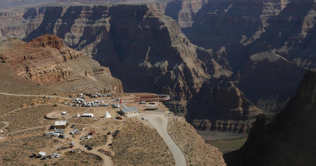 Grand Canyon tourist falls while taking photos