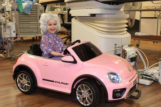 Hospital gives kids mini cars to drive into surgery to reduce fears and anxiety