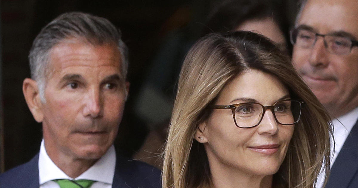 Lawyers say new evidence clears Lori Loughlin and her husband in college admissions scandal