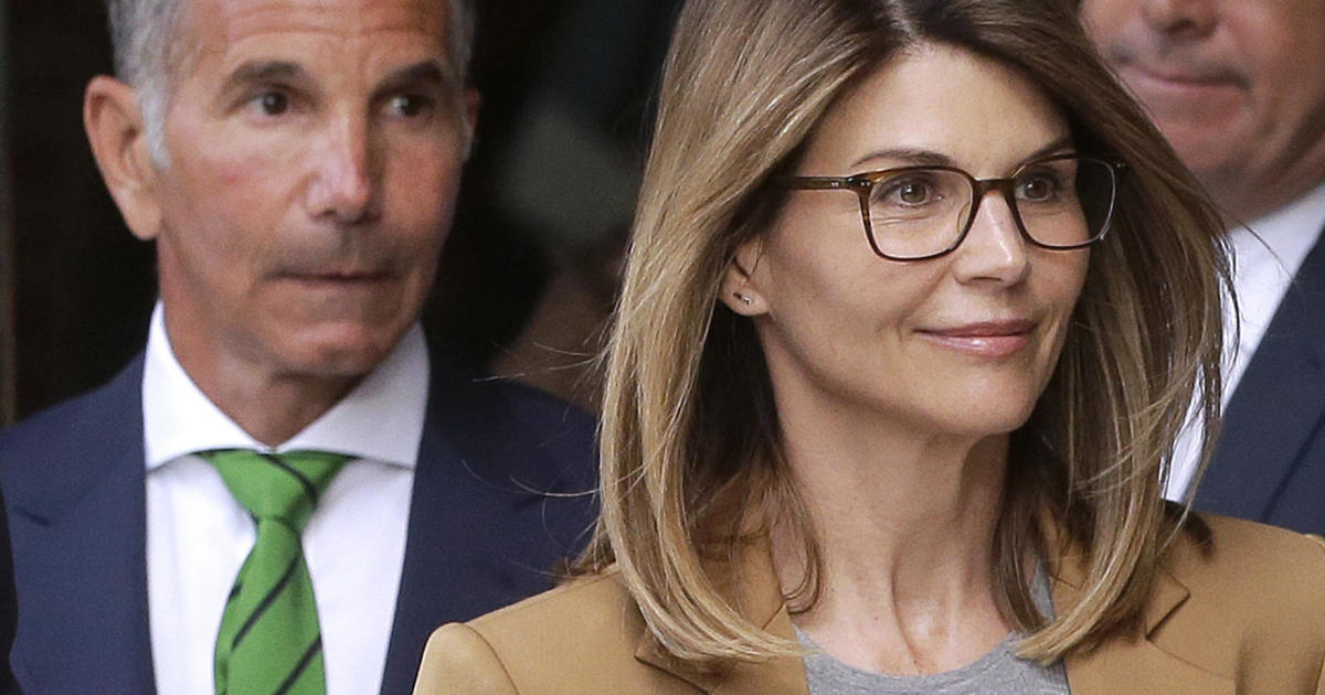 Lawyers claim new evidence clears Lori Loughlin and her husband in college admissions scandal