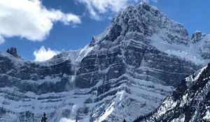 3 men presumed dead after avalanche in Canada