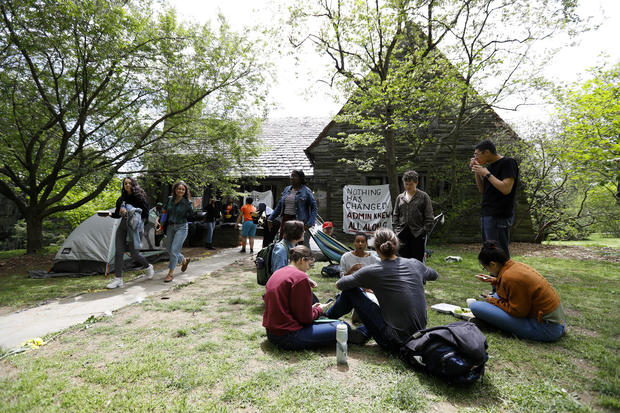 Swarthmore College will no longer allow fraternities and sororities