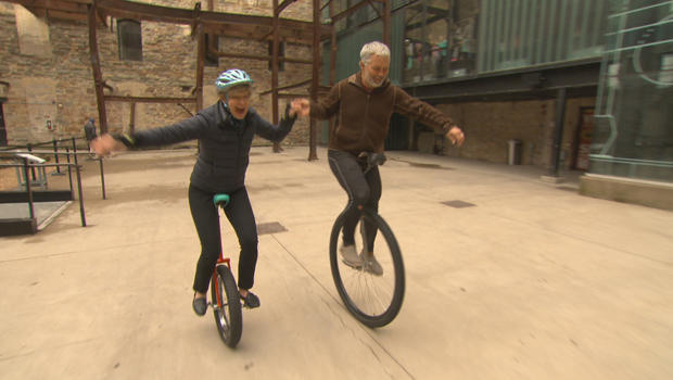 crazy-commutes-dan-hansen-and-susan-spencer-on-unicycles-620.jpg