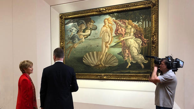 the-birth-of-venus-by-botticelli-at-the-uffizi-jane-pauley-and-museum-director-eike-schmidt-620.jpg