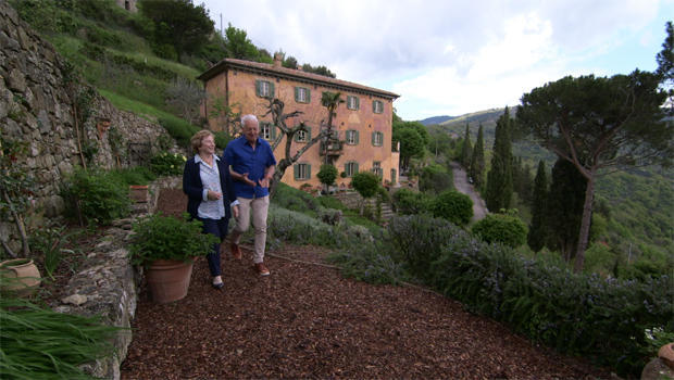 frances-and-edward-mayes-at-their-300-year-old-tuscan-villa-bramasole-620.jpg