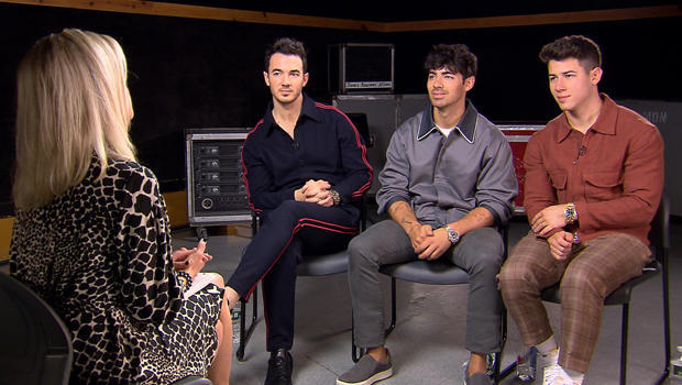 jonas-brother-kevin-joe-and-nick-with-tracy-smith-interview-620.jpg