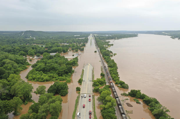 Arkansas River flooding: Fort Smith hit hard as floodwaters