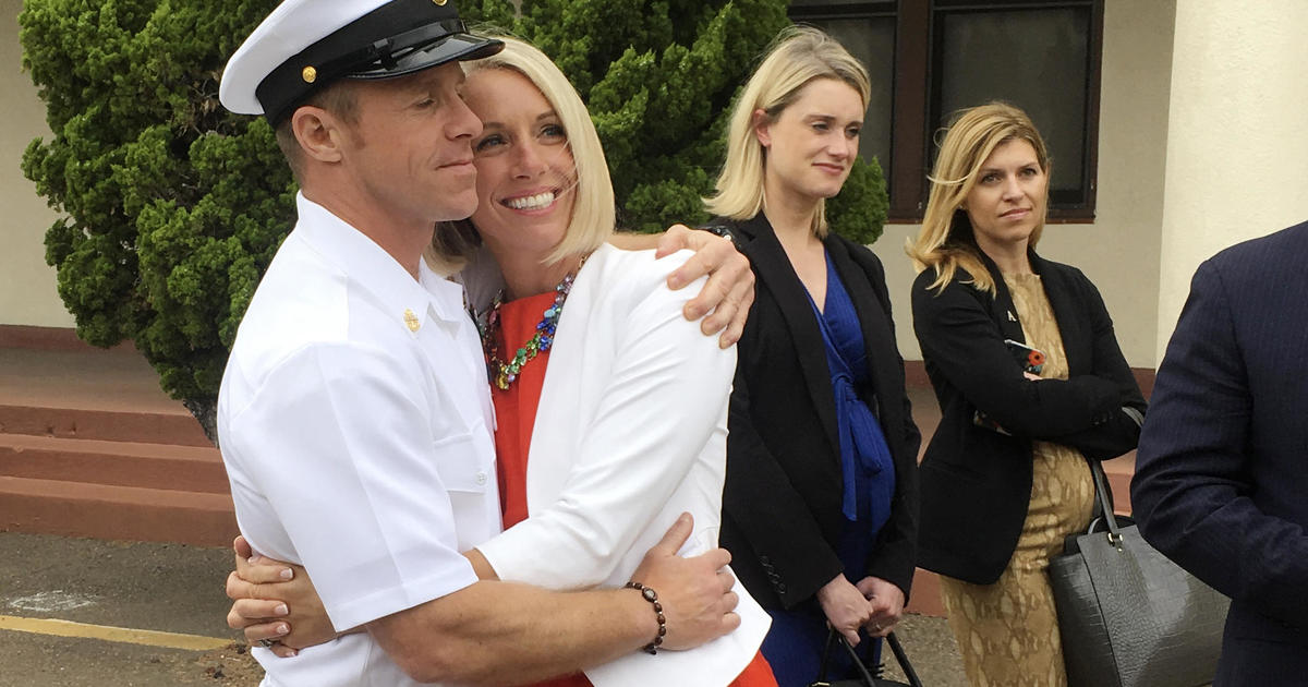 Edward Gallagher, Navy SEAL charged with war crimes, released pending trial