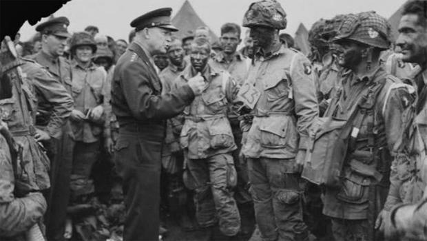general-dwight-d-eisenhower-talks-to-paratroopers-in-england-june-5-1944-620.jpg